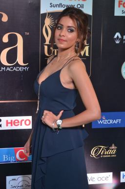 latha hegde hot at iifa 201732