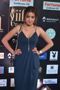 latha hegde hot at iifa 201743