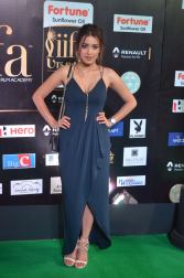 latha hegde hot at iifa 201745