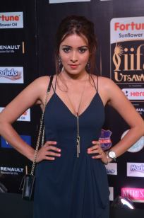 latha hegde hot at iifa 201761