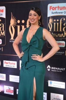 laxmi rai hot at iifa awards 2017DSC_88380009