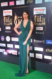 laxmi rai hot at iifa awards 2017DSC_88550026