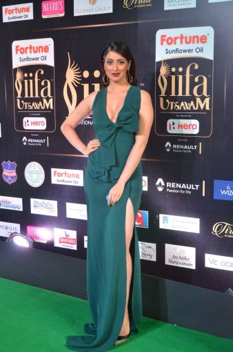 laxmi rai hot at iifa awards 2017DSC_88580029