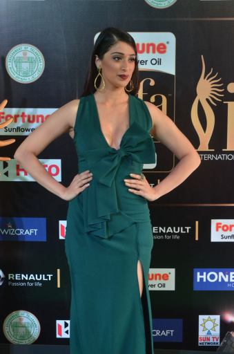 laxmi rai hot at iifa awards 2017DSC_89090080