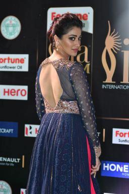 laxmi rai hot at iifa awards 2017HAR_58290022