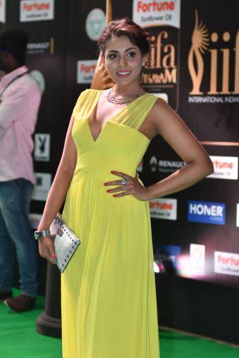 madhu shalini hot at iifa awards 2017 HAR_55750027