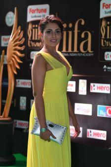 madhu shalini hot at iifa awards 2017 HAR_55890041