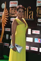 madhu shalini hot at iifa awards 2017 HAR_55950047