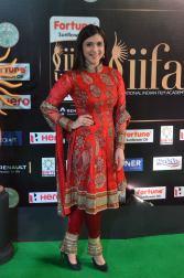 mannara chopra hot at iifa awards 2017 DSC_18760927