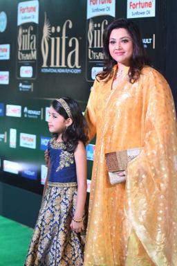 Meena and Nayineeka (10)