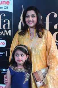 Meena and Nayineeka (22)
