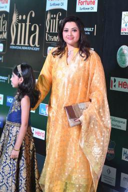 Meena and Nayineeka (7)