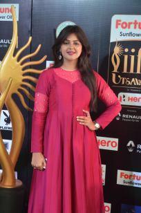 monal gajjar hot at iifa awards 2017DSC_82580012