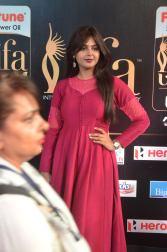 monal gajjar hot at iifa awards 2017DSC_83270024