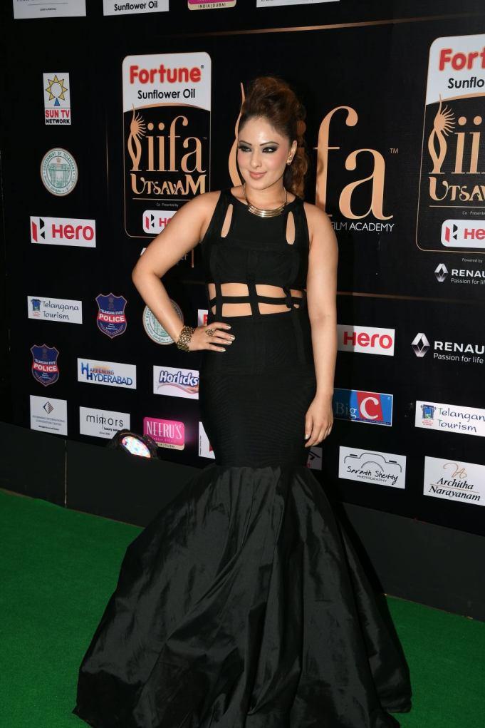 nikesha patel hot at iifa awards 2017 MGK_15840002
