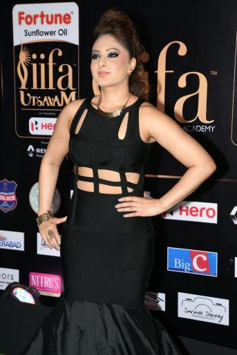 nikesha patel hot at iifa awards 2017 MGK_15860004