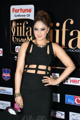 nikesha patel hot at iifa awards 2017 MGK_15930011