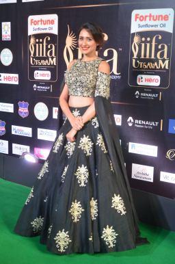 pragya jaiswal hot at iifa awards 2017DSC_90950007