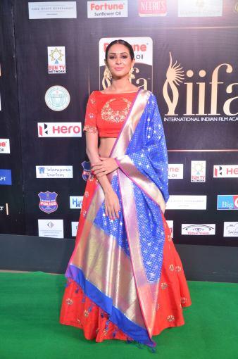 priya sree hot at iifa awards 2017DSC_85680004