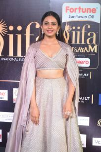 rakul preet singjh hot at iifa awards 2017DSC_90420008