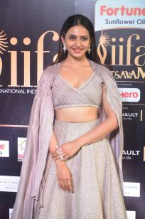 rakul preet singjh hot at iifa awards 2017DSC_90480014