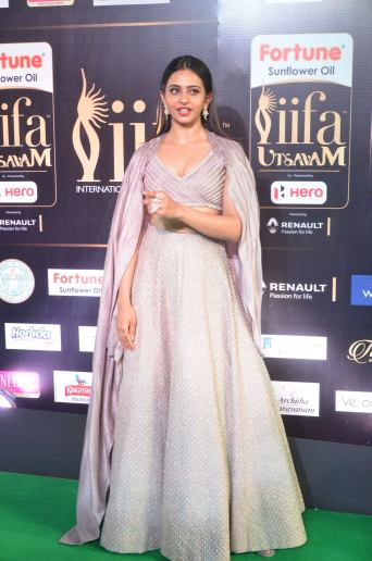 rakul preet singjh hot at iifa awards 2017DSC_90580024