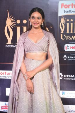 rakul preet singjh hot at iifa awards 2017DSC_90670033