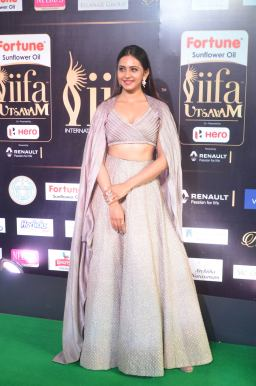 rakul preet singjh hot at iifa awards 2017DSC_90690035