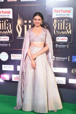 rakul preet singjh hot at iifa awards 2017DSC_90740040