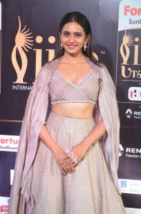 rakul preet singjh hot at iifa awards 2017DSC_90860052