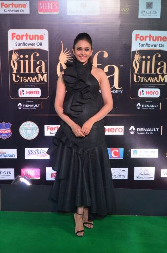 rakulpreetsingh hot at iifa awards 2017DSC_24080023