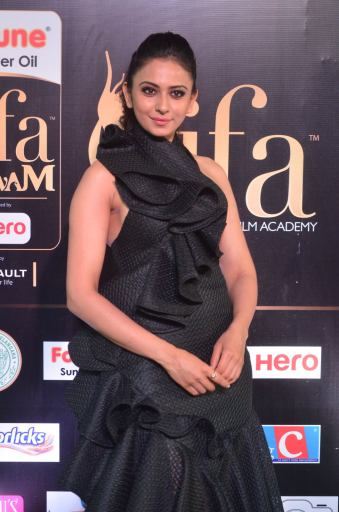 rakulpreetsingh hot at iifa awards 2017DSC_24150030
