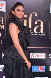 rakulpreetsingh hot at iifa awards 2017DSC_24230038