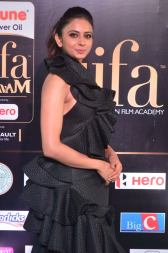 rakulpreetsingh hot at iifa awards 2017DSC_24250040