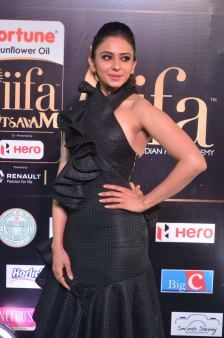 rakulpreetsingh hot at iifa awards 2017DSC_24320047