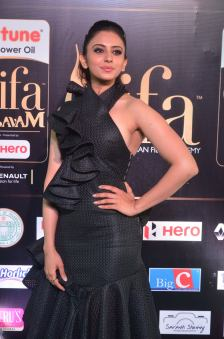 rakulpreetsingh hot at iifa awards 2017DSC_24340049
