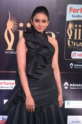 rakulpreetsingh hot at iifa awards 2017DSC_24470062
