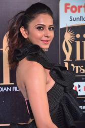 rakulpreetsingh hot at iifa awards 2017DSC_24840099
