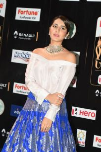 rashi khanna hot at iifa awards 2017MGK_08700019
