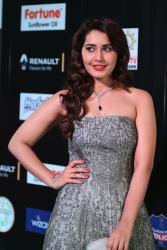 RASHI KHANNA hot at iifa awards 2017MGK_17320032