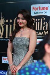 RASHI KHANNA hot at iifa awards 2017MGK_17470017