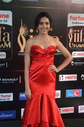 ritu varma hot at iifa awards 2017 DSC_12800335