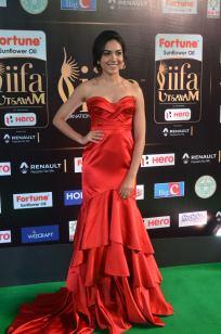 ritu varma hot at iifa awards 2017 DSC_12910346