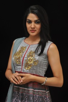 Sakshi Chowdary (10)