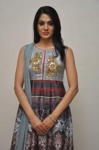 Sakshi Chowdary (40)
