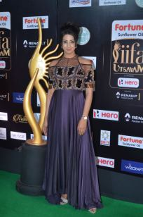 sanjjana hot at iifa awards 2017DSC_75230027