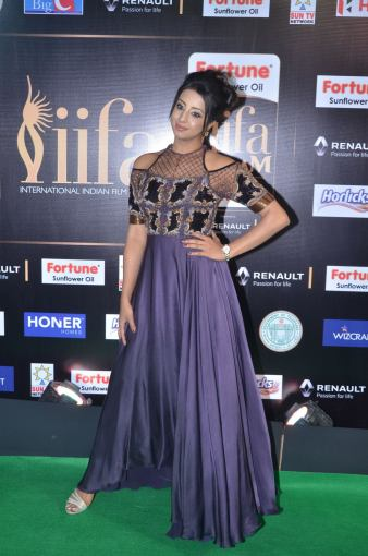 sanjjana hot at iifa awards 2017DSC_75240028