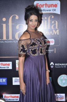 sanjjana hot at iifa awards 2017DSC_75420046