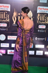 sanjjana hot in saree at iifa awards 2017 DSC_0618