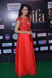 sayesha saigal in red at iifa awards 2017DSC_65650042